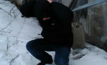 В Никополе полиция охраны «на горячем» задержала домушника