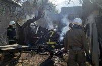 В Павлоградском районе на территории жилого дома сгорела хозпостройка