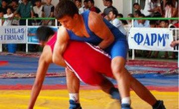 В Днепропетровске прошел Чемпионат области по греко-римской борьбе
