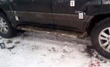 «Рождественская» стрельба в Новоалександровке: взрывы гранат и двое раненых ЧОПовцев (ДОБАВЛЕНЫ ФОТО)