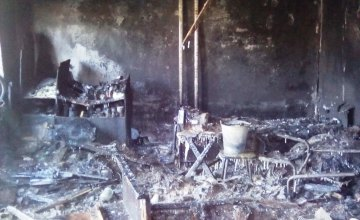 В центре Днепра возле общежития горел мусор, один человек эвакуирован