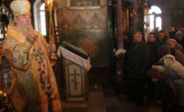 В Днепр прибыла мощная чудотворная святыня - самая большая в Украине частица Животворящего Креста Господнего, - Александр Вилкул