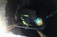 В Слобожанском при выполнении работ в выгребной яме погиб мужчина, еще один госпитализирован