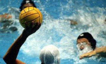 В Днепродзержинске завершился чемпионат Украины по водному поло среди мужчин