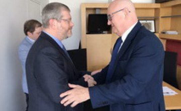 Вилкул обсудил с руководством Европарламента перспективы диалога Украина–ЕС: Европа обеспокоена ростом в Украине радикализма и н