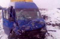 Под Киевом школьный автобус попал в ДТП: 2 погибших, 9 пострадавших (ФОТО)