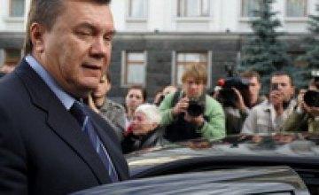 Журналистам запретили фотографировать кортеж Януковича
