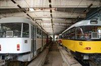 У Дніпрі мільйони бюджетних гривень йдуть на відновлення трамваїв, зупинок та вагонів метро через вандалізм
