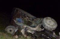 На Закарпатье грузовик упал в пропасть: есть погибшие (ФОТО)