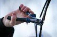 В Днепропетровске милиция «на горячем» задержала вора телефонного кабеля