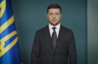 Владимир Зеленский записал очередное видеообращение к украинцам: об ослаблении карантина и втором этапе медицинской реформы (ВИДЕО)