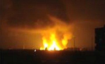 В Лозовой загорелся склад с боеприпасами