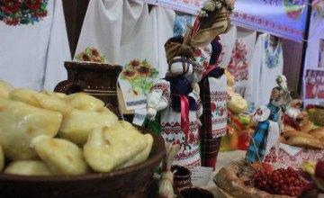 На фестивале «Щедрая Масленица» громады Днепропетровщины демонстрировали творческие и кулинарные умения