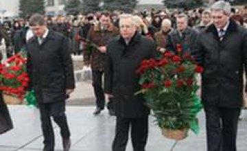 Верхнеднепровск почтил память своего земляка Владимира Щербицкого (ФОТОРЕПОРТАЖ)