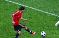 Хет-трик Давида Вильи принес Испании уверенную победу