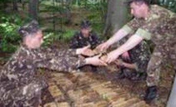 Минобороны: украинским военным вдвое урезали январскую зарплату