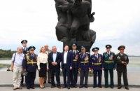 Команда «ОП — За Жизнь» почтила память солдат 152-й стрелковой дивизии и провела презентацию фильма о начале войны (ФОТОРЕПОРТАЖ)