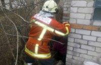 В Синельниковском районе 58-летняя женщина упала в выгребную яму