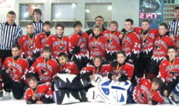 «Днепровские волки-97» стали бронзовыми призерами чемпионата Украины по хоккею