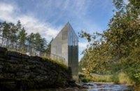 В Норвегии построили уборную с видом на водопад (ФОТО)