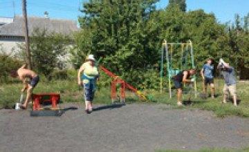 На Днепропетровщине в рамках социальных проектов Вилкула Оппозиционный блок продолжает устанавливать детские площадки