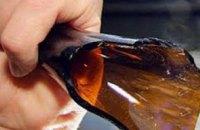Попытка самоубийства: в Днепре 27-летний мужчина проткнул себе живот разбитой бутылкой