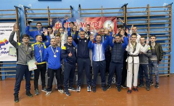 Дніпряни здобули золото на двох чемпіонатах з тхеквондо