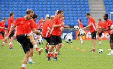 Швейцария и Турция выйдут на поле без своих капитанов