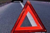 На Днепропетровщине иномарка врезалась в грузовик военной колонны: среди погибших 12-летний ребенок