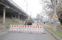 В Днепре ремонтируют аварийный путепровод на Слобожанском проспекте