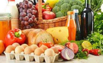 Какие продукты питания подорожали в сетях Днепра за минувшие сутки?