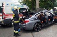 На Набережной Победы в Днепре BMW влетел в электроопору: водитель погиб (ВИДЕО)