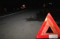 На Днепропетровщине Mercedes на скорости влетел в столб: водитель сбежал с места ДТП