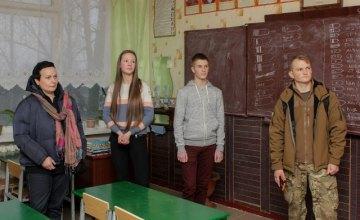 На патриотических встречах дети узнают правду о войне на востоке Украины из первых уст – Резниченко
