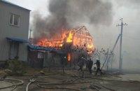 Масштабный пожар на Днепропетровщине: горит два нежилых помещения (ФОТО)