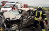 В Новомосковском районе грузовик столкнулся с иномаркой: есть пострадавшие (ВИДЕО)