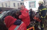 Под Днепром Хонда влетела в дерево: есть пострадавшие (ФОТО)