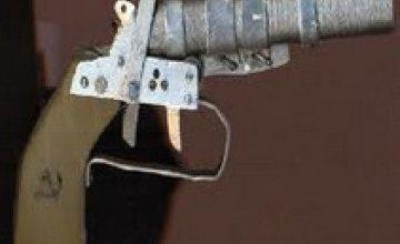 В Днепропетровске милиционеры обезоружили прохожего