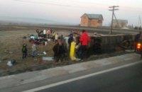 На Львовщине пассажирский автобус столкнулся с авто: есть жертвы