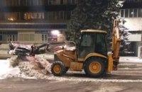 В ночь на 22 января дороги в Днепре расчищало более 80 единиц спецтехники: работы продолжаются
