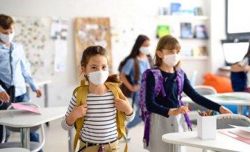 С начала учебного года в более, чем 10 школах Днепропетровщины зафиксированы несоблюдения противоэпидемических мероприятий, - Госпродпотребслужба
