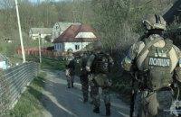 В Винницкой области КОРД на вертолете обезвредил мужчину, стрелявшего в полицейских (ВИДЕО)