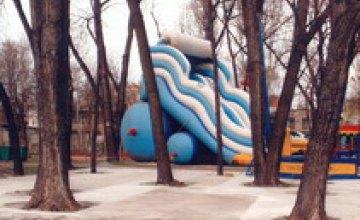 В парке имени Лазаря Глобы начато новое строительство?