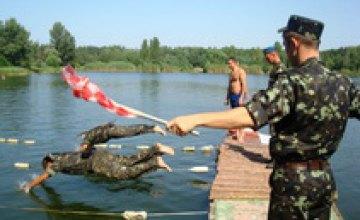Днепропетровские военные провели соревнования по плаванию (ФОТО)