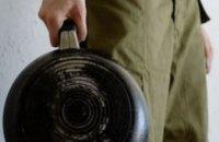На Днепропетровщине судят мужчину, убившего знакомую сковородой
