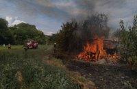 В Новомосковском районе на территории частного дома сгорело 120 кв.м сена