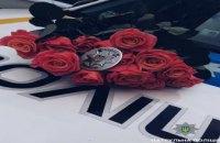В центре Днепра патрульные поздравляли днепрянок с 8 марта (ФОТО)