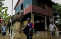 Малайзии эвакуированы 100 тыс человек из-за наводнения