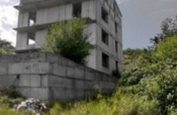 В Днепропетровске охотник за металлоломом попал под бетонную плиту