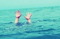 На Днепропетровщине 4-летний ребенок играл в бассейне и захлебнулся водой